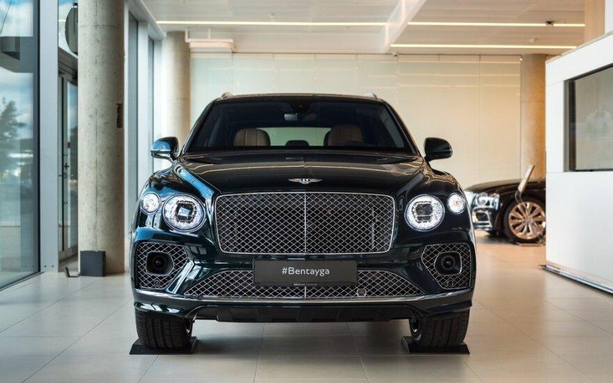 """Naujame """"Bentley"""" salone pristatytas prabangiausias gamintojo visureigis"""