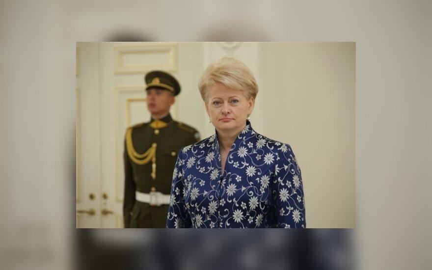 L.Pečeliūnienė. Prezidentei koją kiša arogancija