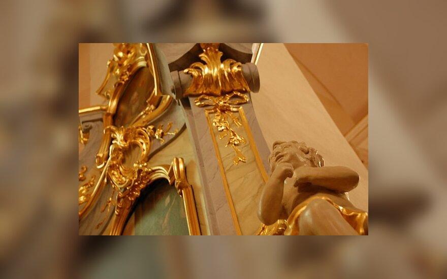 Šalčininkų politikai priėmė valdžios perleidimo Dievui aktą