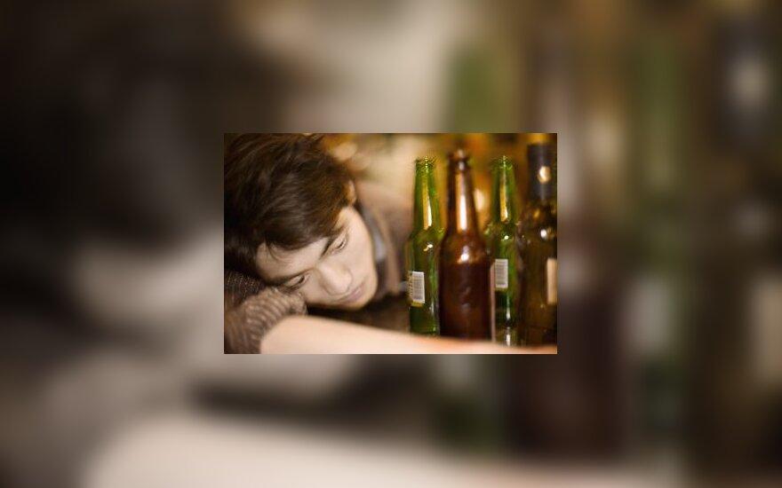 Pagirios, buteliai, alkoholis, nuovargis, stresas