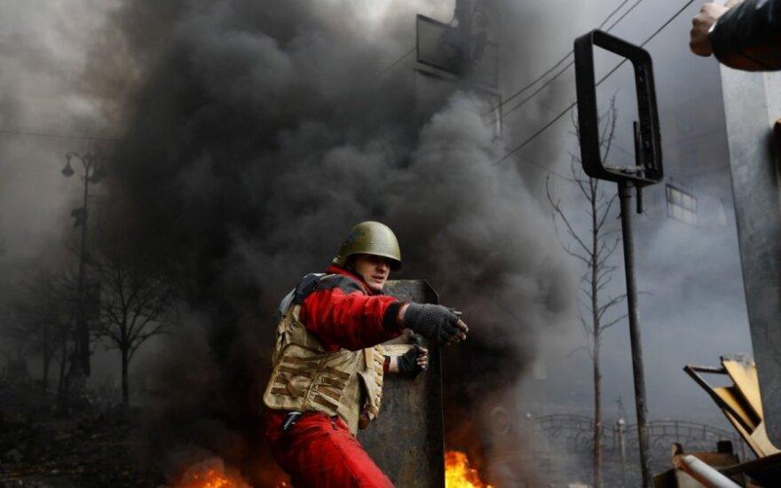 Paliaubos Kijeve baigėsi: aukų skaičius perkopė 30, evakuotas vyriausybės pastatas