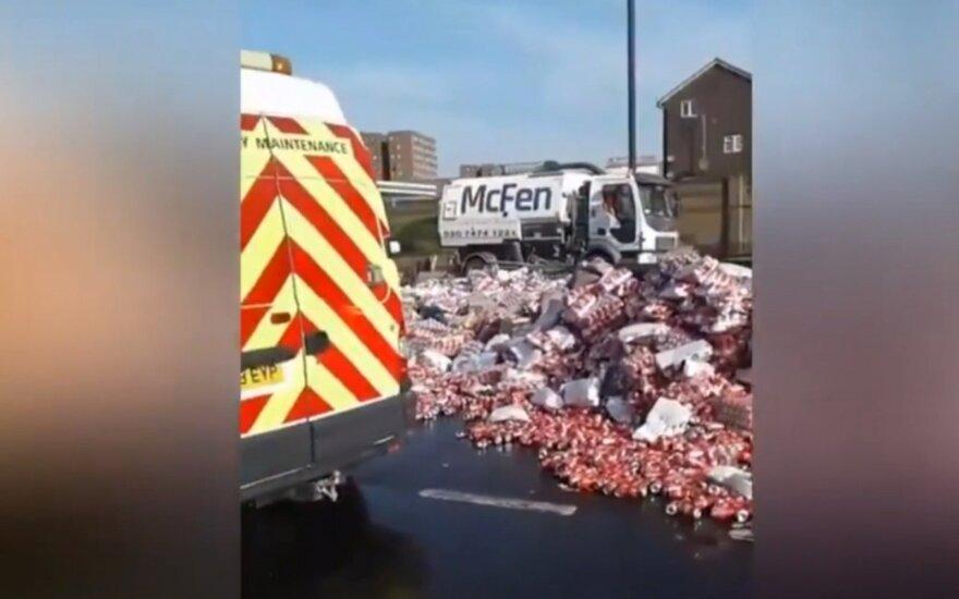 Lietuviai Londone nustebino kelyje įstrigusius vairuotojus