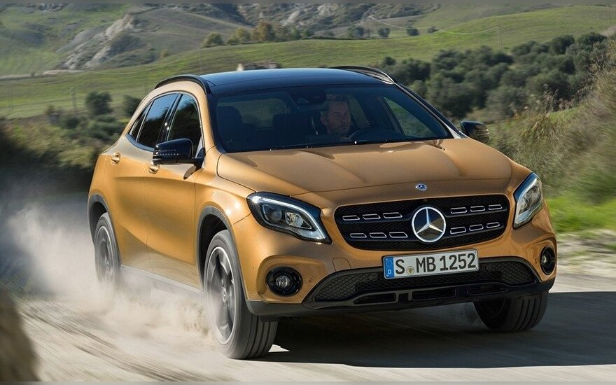 """Mercedes-Benz GLA"""