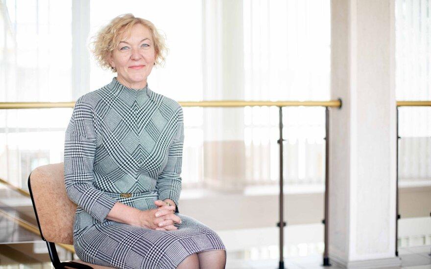 Rudėnaitė paprašė Konstitucinio Teismo išaiškinimo dėl grįžimo į darbą