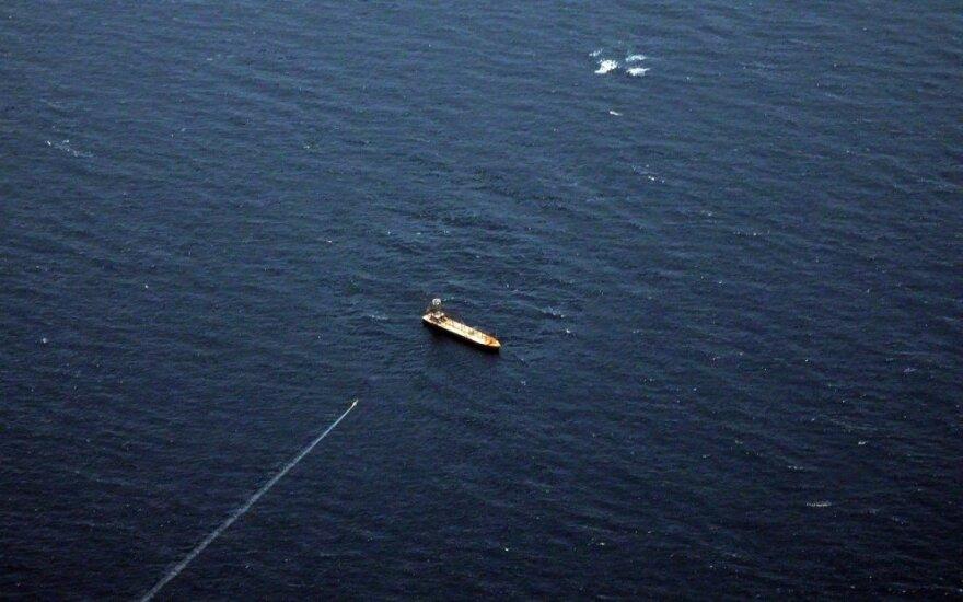 Irano karinis jūrų laivynas išbandė naujas sparnuotąsias raketas
