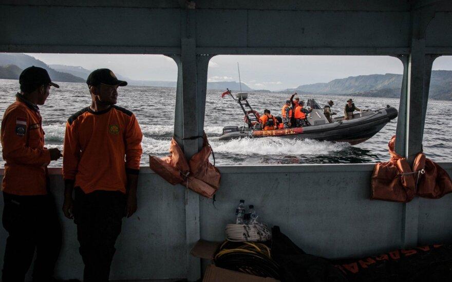Indonezija patvirtino radusi vulkaniniame ežere nuskendusį keltą