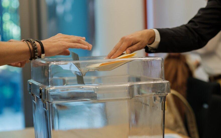Mažu aktyvumu pasižymėję Prancūzijos vietos rinkimai sustiprino žaliųjų pozicijas