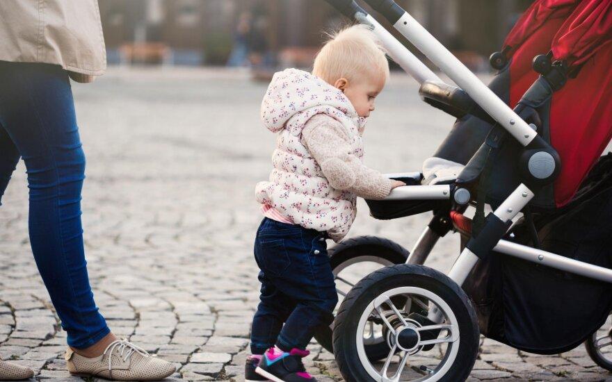Jauną mamytę pribloškė nepažįstamos moters įžūlumas: jei turėtų proto, susimąstytų