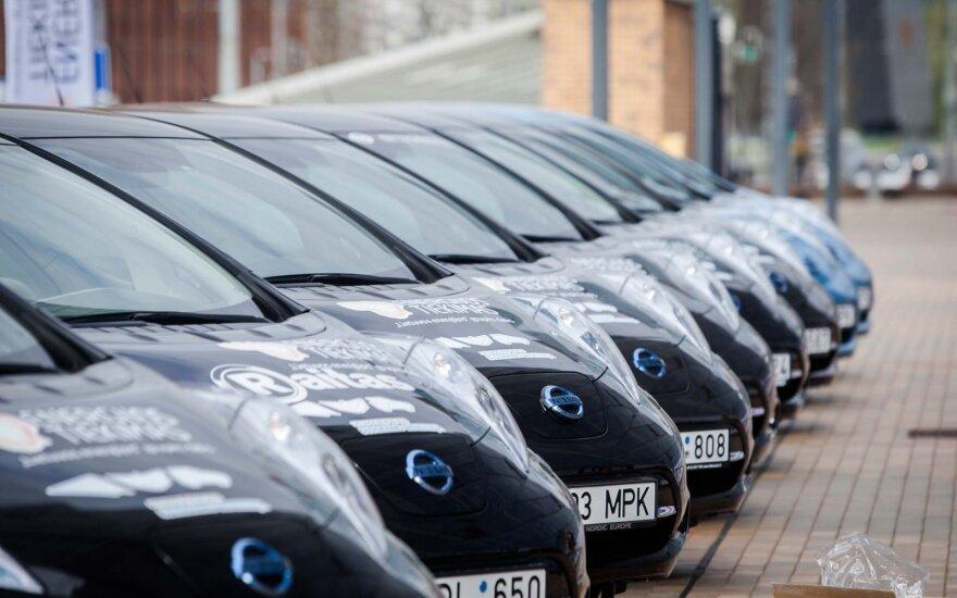 """""""Nissan Leaf"""" elektromobiliai"""
