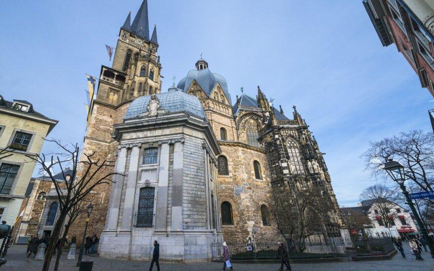 Kaip Vokietijos bažnyčios kontroliuoja kreditorius, kad išsaugotų savo pačių turtą
