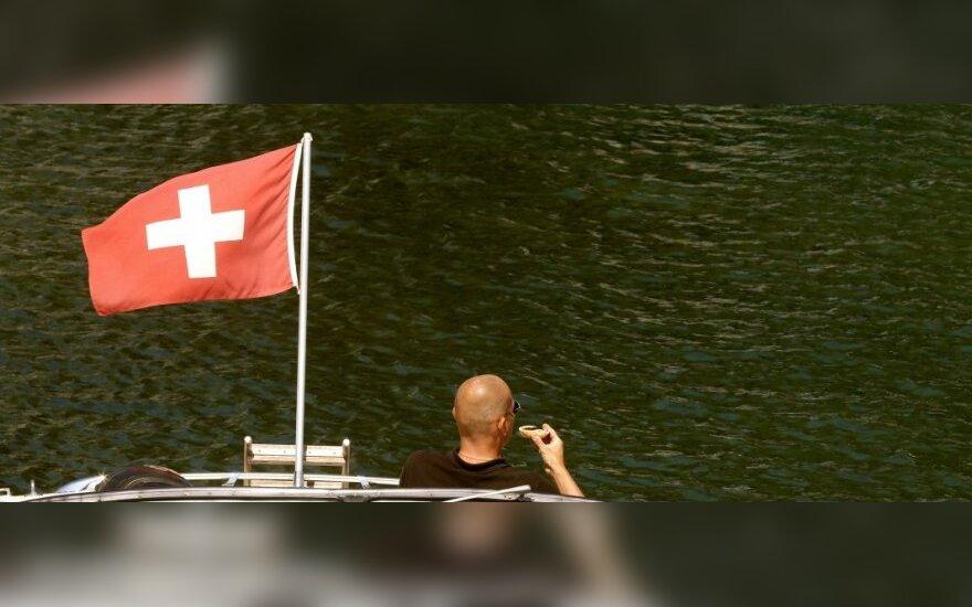 Šveicarija neketina taikyti sankcijų prieš Rusiją