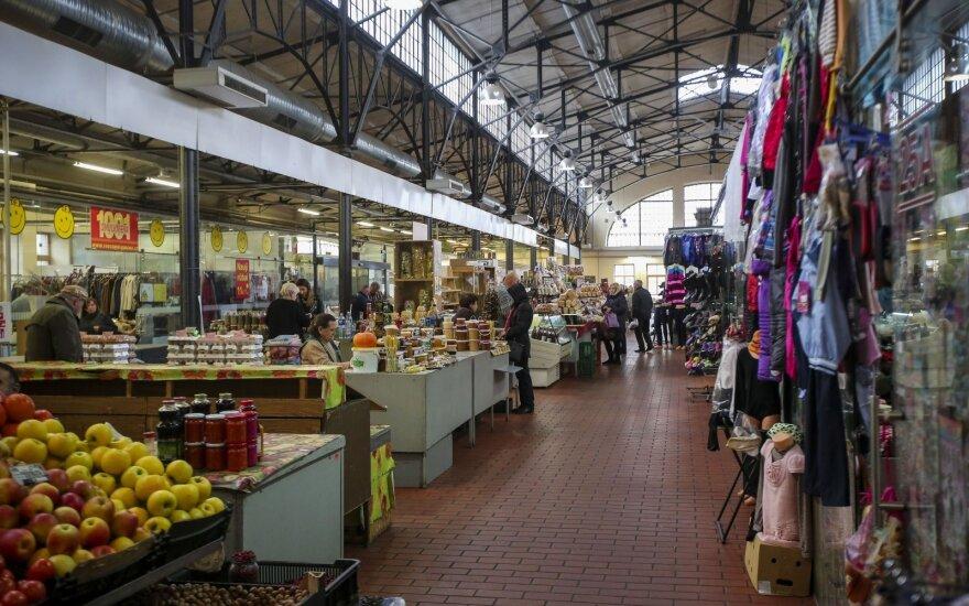 Turgums vis sunkiau konkuruoti su prekybos centrais