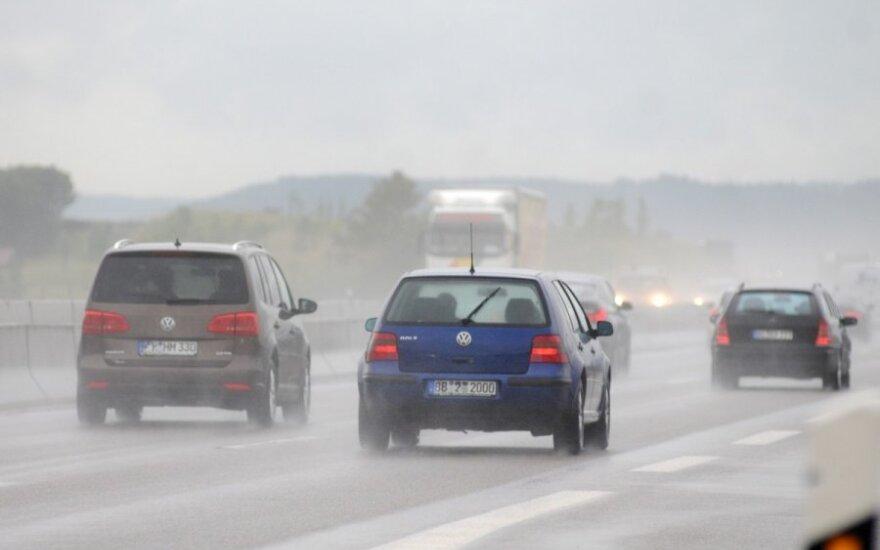 Važiavimas per lietų