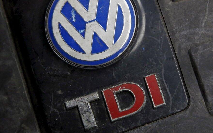"""""""Volkswagen"""" kreipėsi į Lietuvos vairuotojus: pasitikrinkite"""