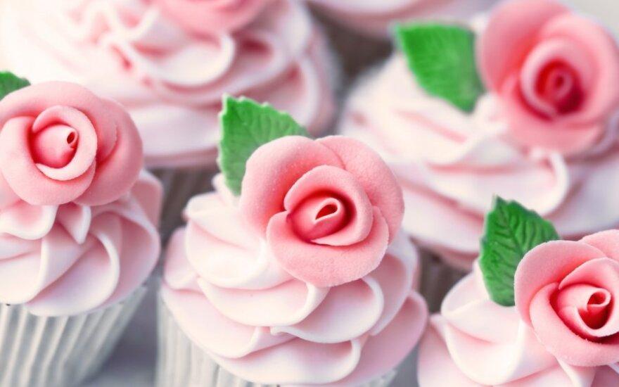 Kai norisi saldumynų: sveiki ir kenksmingi desertai