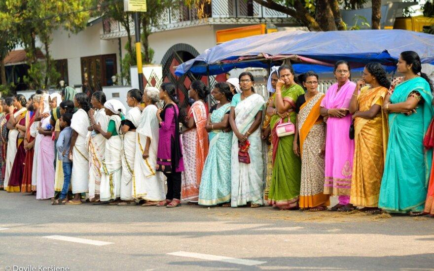 Lietuviai aplankė išskirtinę Indijos vietą, kurioje streikai – kasdienybė: viskas dėl moterų