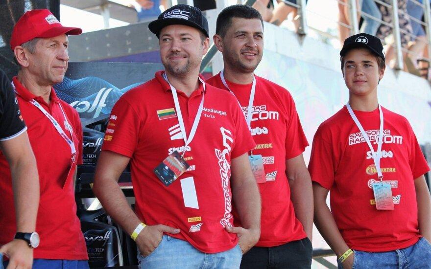 Mindaugas Varža ir Martynas Samsonas (viduryje)