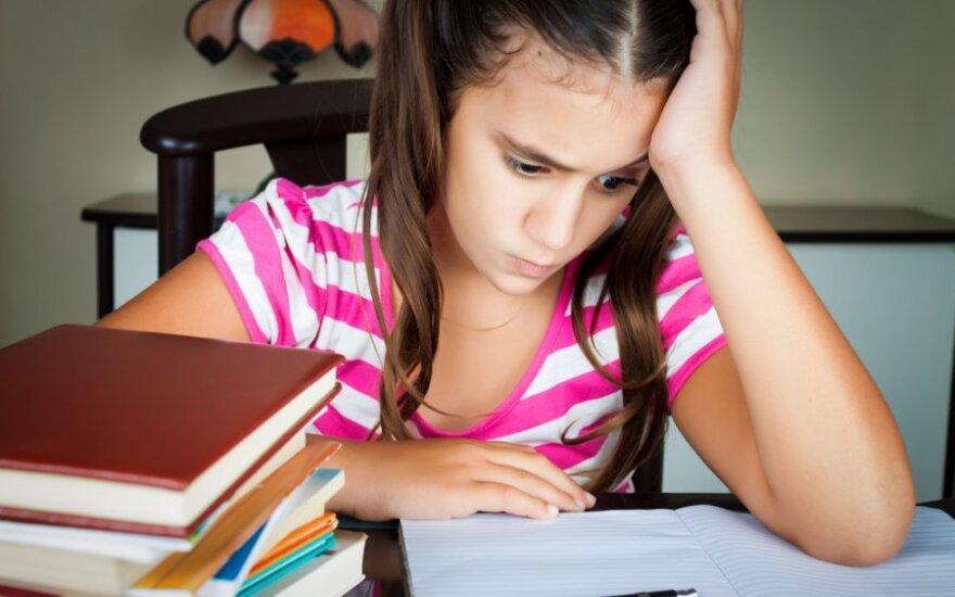 Patarimai, kaip paversti namų darbus įprasta vaiko rutinos dalimi