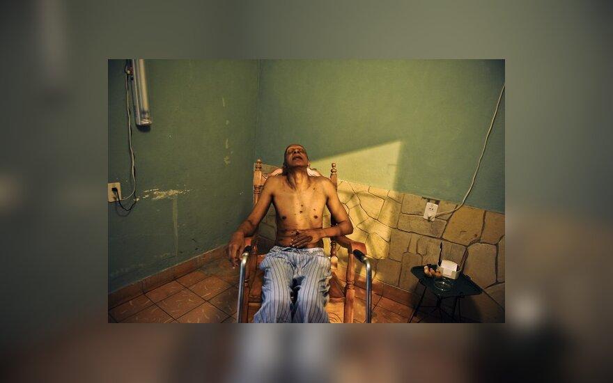 Kubos disidentas Guillermo Farinas ilsisi savo namuose Santa Clara mieste, sužinojęs kad gavo Sacharovo žmogaus teisių prizą, įsteigtą Europos parlamento