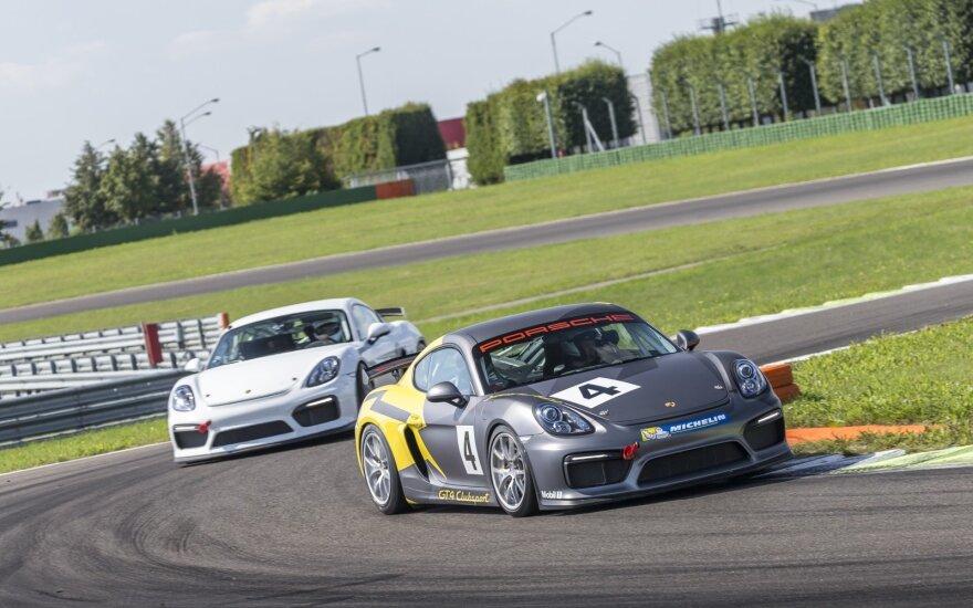 """""""Porsche Sport Driving School"""" akademijos mokymai žurnalistams buvo surengti uždaroje trasoje prie Leipcigo"""
