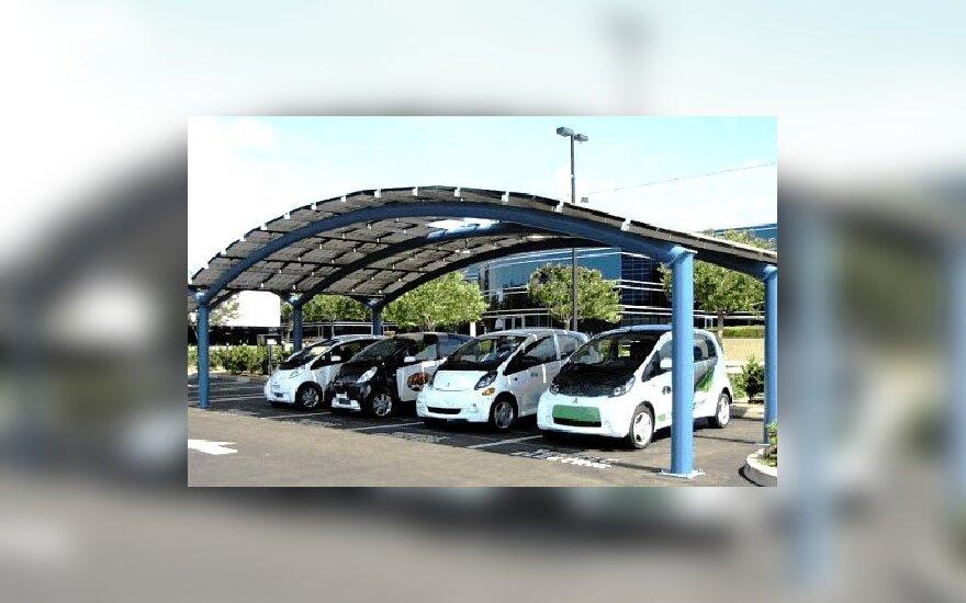 Saulės energijos automobilių įkrovimo stotelė