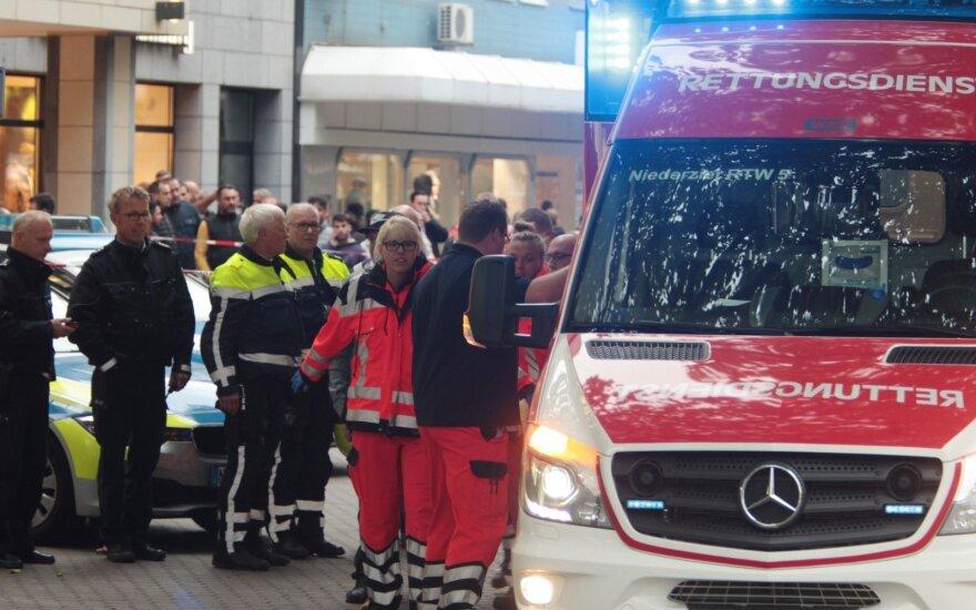 Vokietijoje per policijos reidą ultradešiniojo judėjimo narys sužeidė keturis pareigūnus