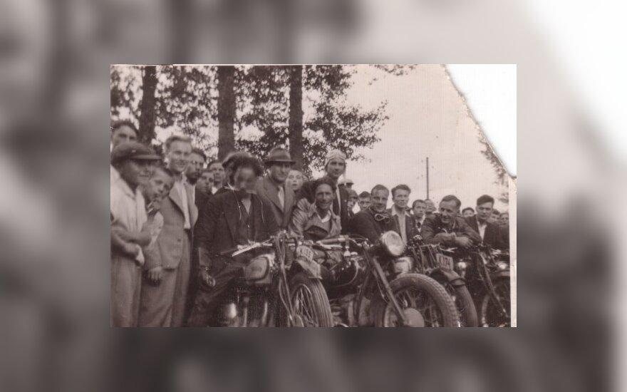 Motociklininkų susibūrimas Kaune (apie 1932 m.)