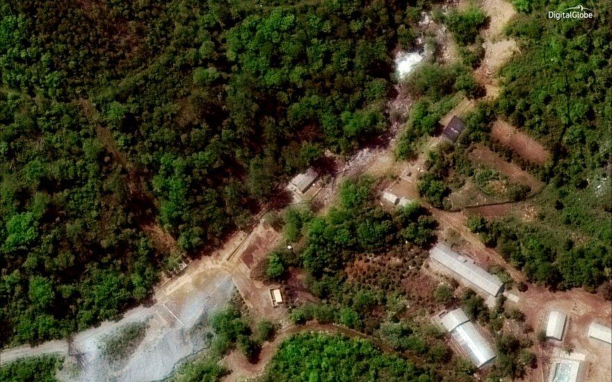 Naujos palydovinės nuotraukos rodo, kas iš tiesų vyksta Šiaurės Korėjos branduoliniame komplekse