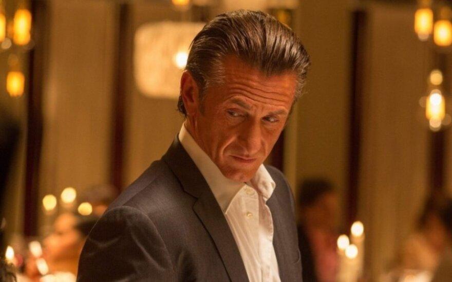 """Seanas Pennas filme """"Šaulys"""" (Acme Films nuotr.)"""