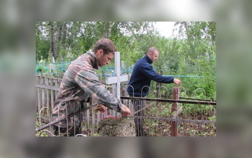 Mission Siberia: Looking for disappearing graves of Lithuanian deportees thousands kilometres from home