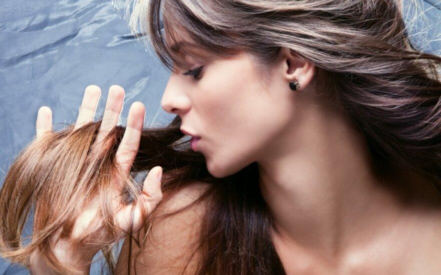 Kaip kovoti su plaukų slinkimu?