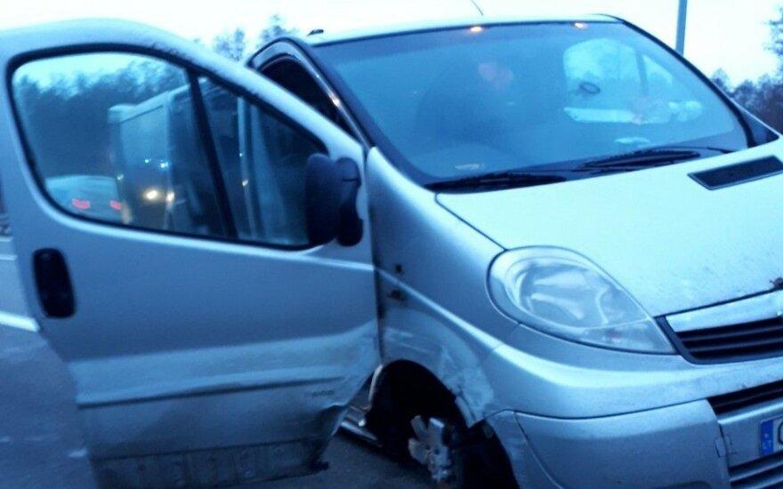 Lietuviams kelionė mikroautobusu iš Olandijos virto pragaru: išsekęs vairuotojas vos nepražudė