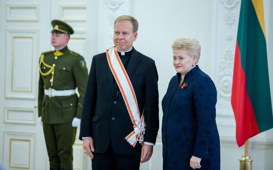 Gintaras Linas Grušas, Dalia Grybauskaitė