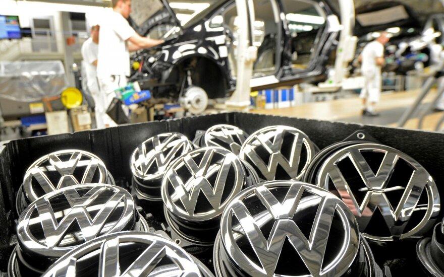"""Pernai Lietuvos daugiausiai registruota naudotų """"Volkswagen"""", """"Opel"""" ir """"Audi"""""""