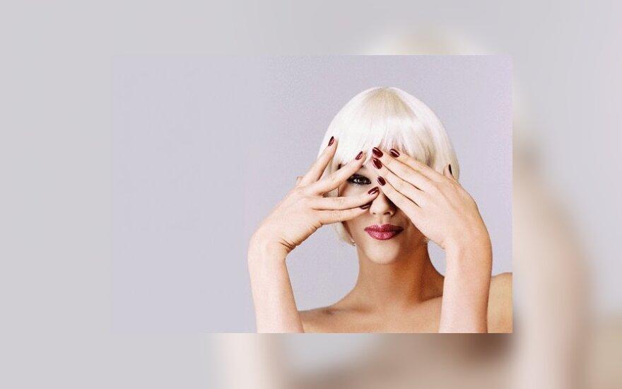 Kuriai garsiai blondinei verta tapti brunete? (apklausa)