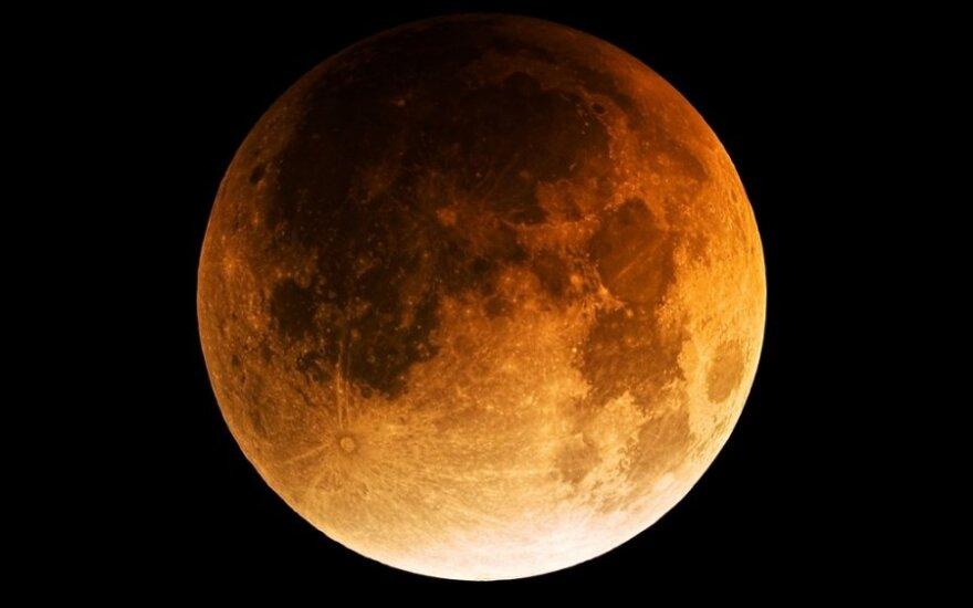 Astrologai perspėja: laukia dar vienas išbandymas - Mėnulio užtemimas