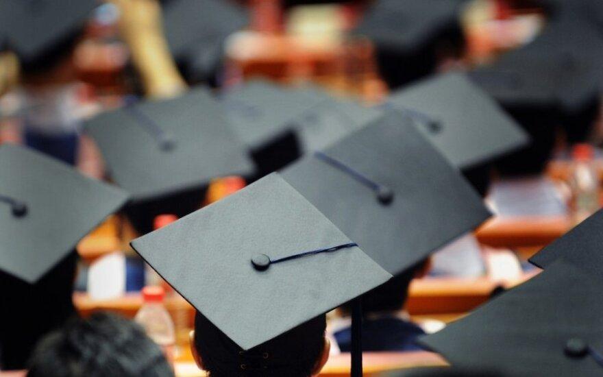 Du diplomai – už vieną magistro darbą