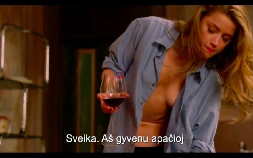 """Amber Heard, kadras iš filmo """"Visi nori Nikolės"""""""