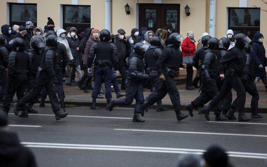 Baltarusių tyrimų komitetas atsisakė kelti bylą dėl pareigūnų smurto prieš protestuotojus