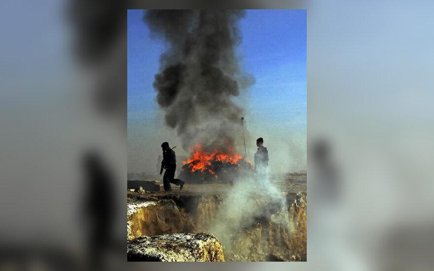 Apie 7 t narkotikų sudegintos Kabulo priemiesčiuose