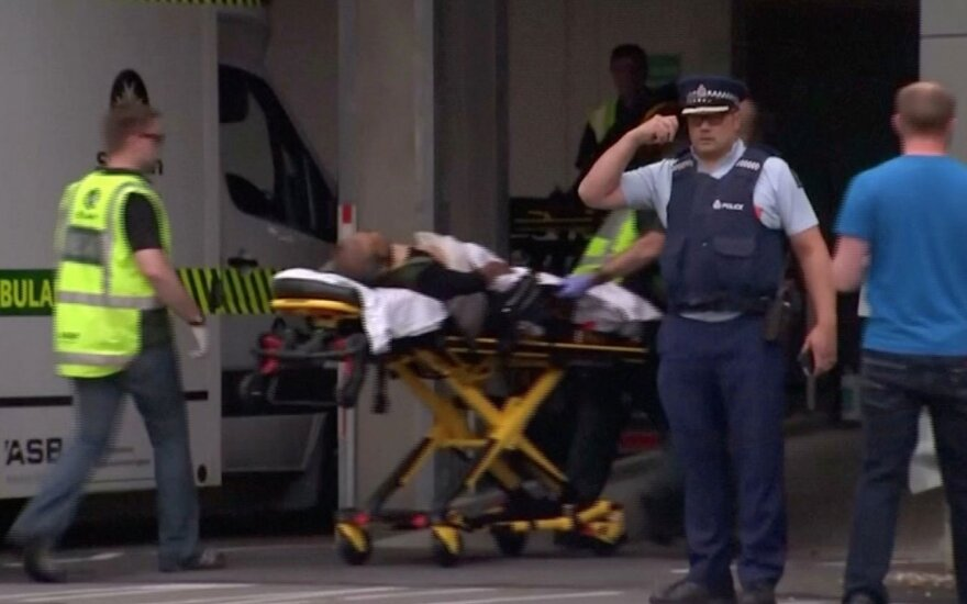 Šaudynių Naujojoje Zelandijoje aukų padaugėjo iki 50