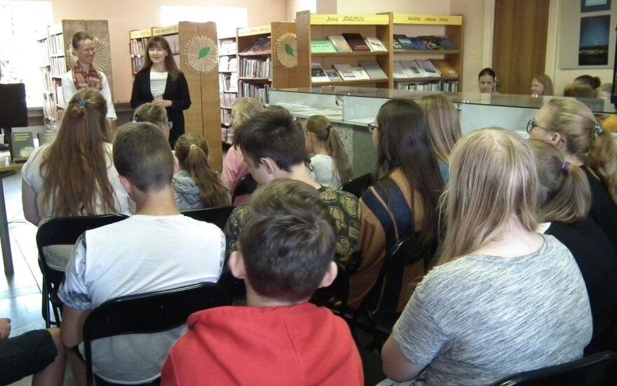 Pristatyti tremtinio užrašai Lentvario bibliotekoje