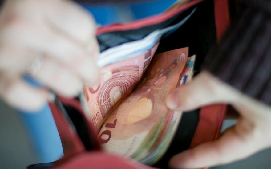 Seimas nusprendė, kam mokesčiai didės, o kam mažės