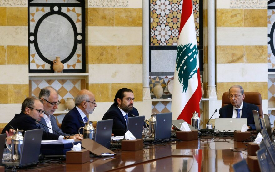 Libane tęsiantis protestams, vyriausybė renkasi į svarbų posėdį
