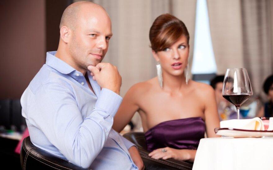 Ar jūsų vyras turi meilužę? Žmonos atskleidė 20 dalykų, kurie verčia sunerimti