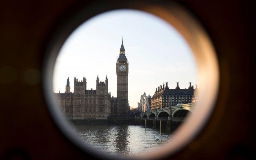 Miniatiūriniais butais mėgins spręsti būsto krizę Londone