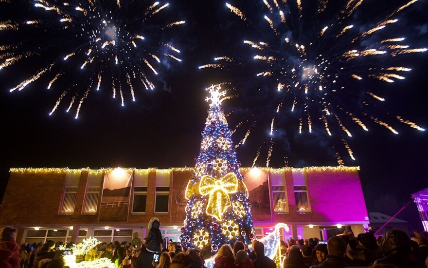 Turistų pamėgtame mieste nušvito Kalėdų medis
