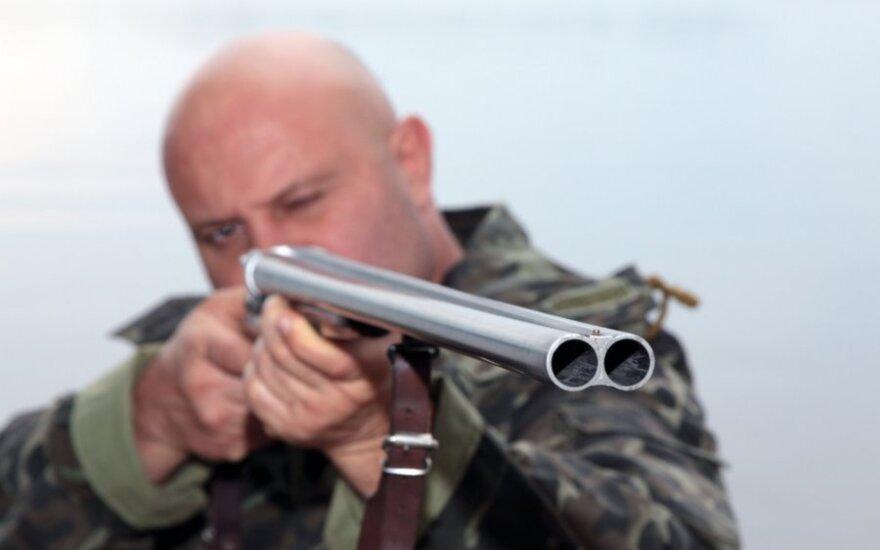 Sedos girioje medžiotojas peršovė kitą medžiotoją
