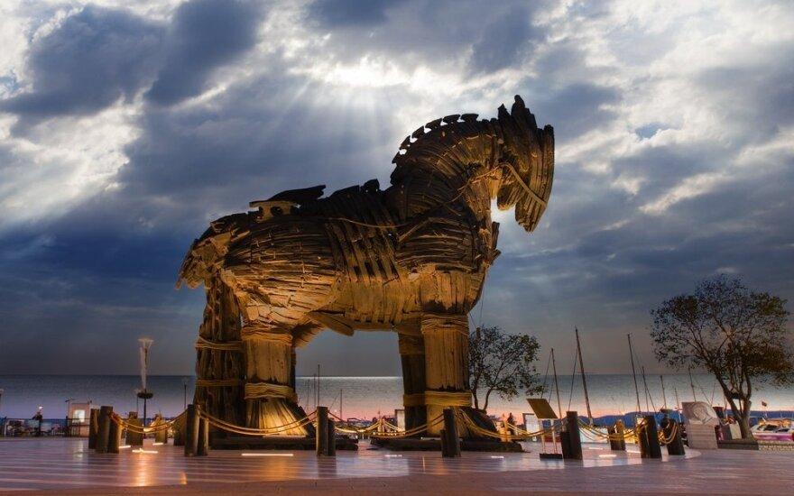 """Turkai sumanė, kaip privilioti dar daugiau turistų – """"prikels"""" Trojos arklį ir pasikvies Bradą Pittą"""