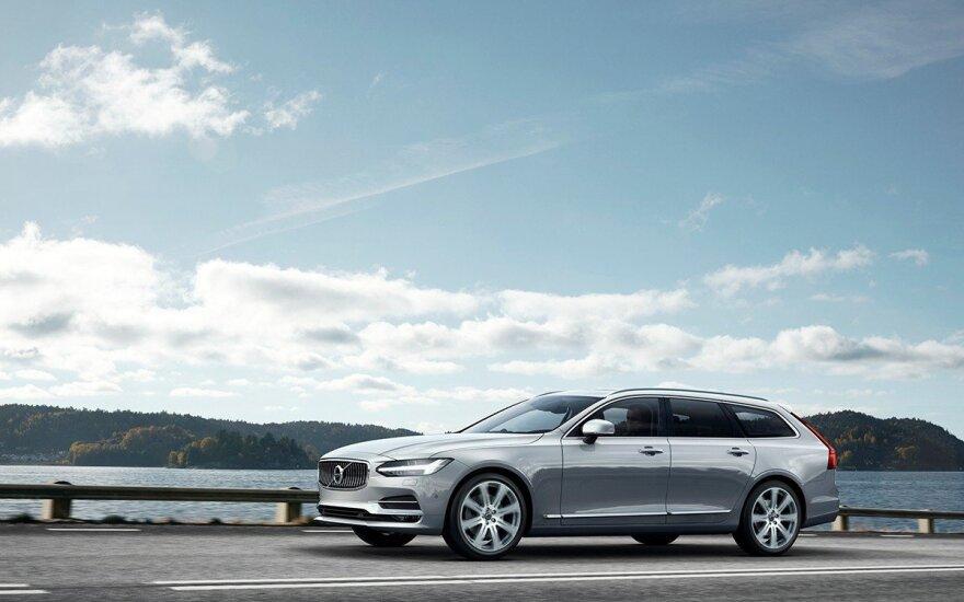 """Oficialiai pristatytas """"Volvo V90"""""""